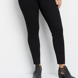Maurices EUC black skinny jeans size 20w regular